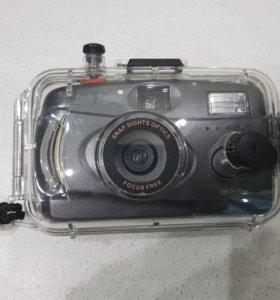 Фотоаппарат пленочный в аквабоксе