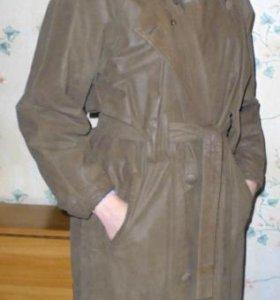 Продаю кожаное пальто