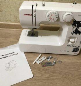 Швейная машинка Janome.