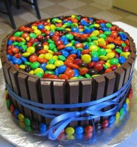 Торт с КитКат и M&M's