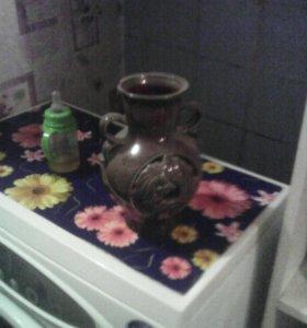 старая ваза из глины