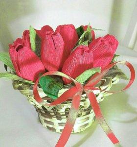 Букет из конфет. Тюльпаны в корзинке.