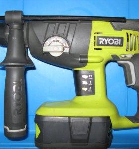 Перфоратор аккумуляторный Ryobi ONE+ CRH1801M