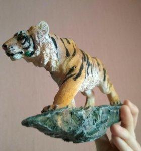 Фигурка тигра для интерьера