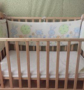 Продаю детскую кроватку.