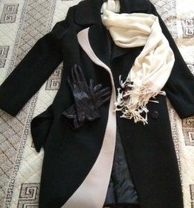 Зимнее пальто новое + перчатки + шарфик