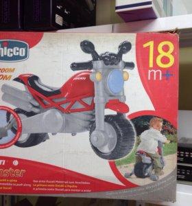 Мотоцикл-каталка Chicco Ducati Monster