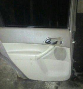 Двери на Ford focus