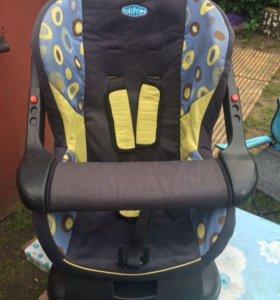 Продам детское авто кресло б/у
