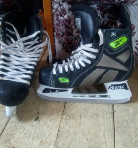 Коньки хоккейные!!!