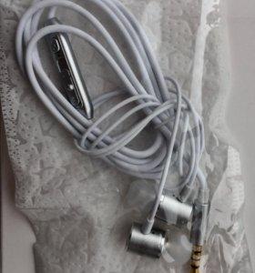 Наушники с микрофоном для смартфонов - супер бас