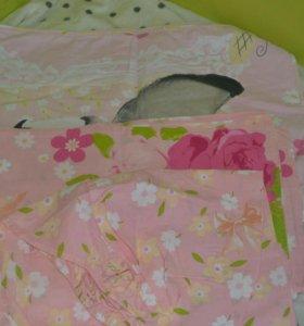 детское постельное белье и одеяло
