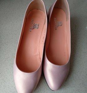 Туфли-лодочки новые