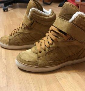 Тёплые кроссовки Adidas