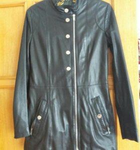 Кожаная женская куртка Италия