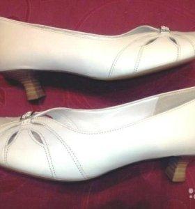 Продаю туфли Gabor