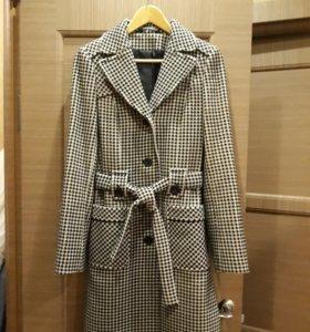 Демисезонное пальто р.42-44