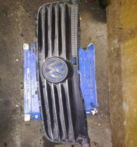 Решетка радиатора Volkswagen Transporter Т5