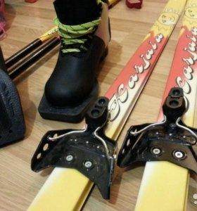 Лыжи детские 130 см + ботинки Qechua р.32 + палки