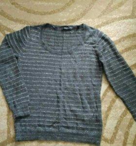 Новый свитер р 46-48