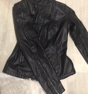 Куртка в идеальном состоянии