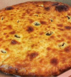 Осетинский пирог с мясом, капустой и сыром