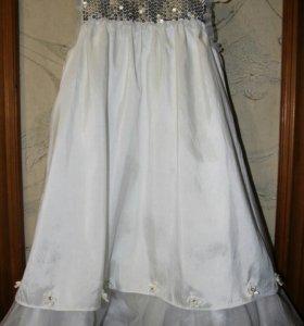 Праздничное платье на 110-116