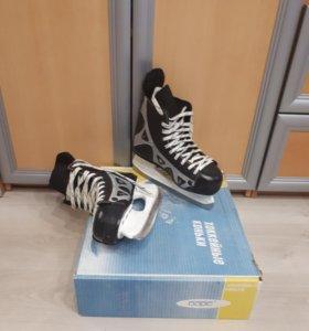 Хоккейные коньки в отличном состоянии размер 40