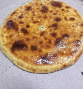 Осетинский пирог с рыбой, картошкой и сыром