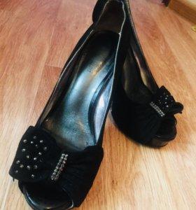 Туфли женские 35 рр
