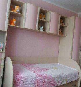 Детская стенка с кроватью и шкафом