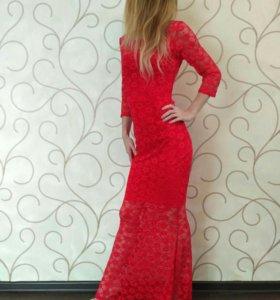 Вечернее платье,42-44-46 размер