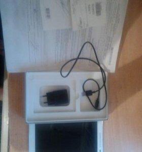 Планшет asus ZenPad z380kl 8.0 годовалый вхорошем