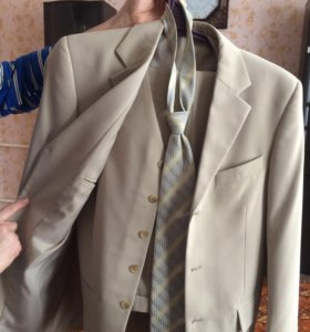 Костюм классический тройка) галстук в подарок)