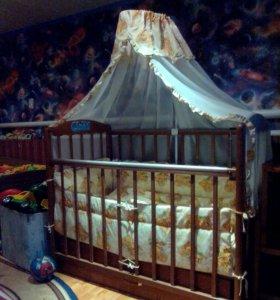 Кроватка детская в отличном состояние
