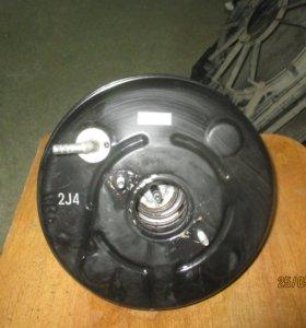 Усилитель тормозов вакуумный Toyota Corolla E15