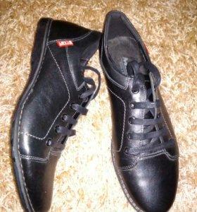 Продаю. мужские. туфли. новые