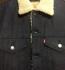 Levi's куртки с мехом