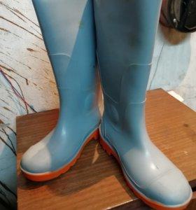 Резиновые сапоги с металлическим носком