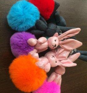 Украшение -кролик (зайка) для сумок, рюкзаков.