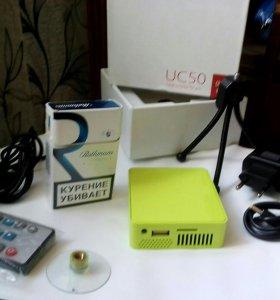 Продам карманный видео проектор Unic UC50