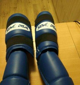 Накладки на ноги для кикбоксинга