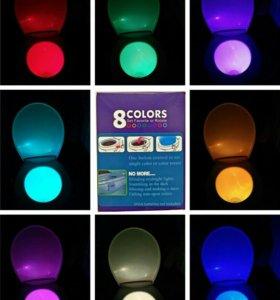 Разноцветный светильник в унитаз