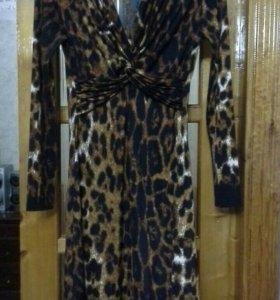Платье  размер 46 48