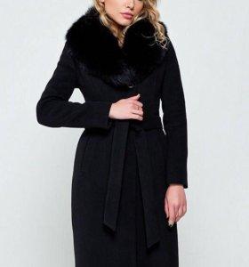 Новое Пальто с натуральным мехом