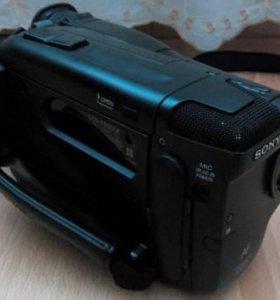 Sony CCD-TR550E