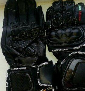 Мото перчатки.