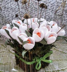 Подарок: цветы из конфет (подснежники)