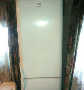 Холодильник  indesit 2 камерный торг