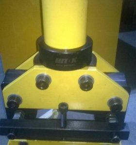 Комплект оборудования для обработки шин, шток